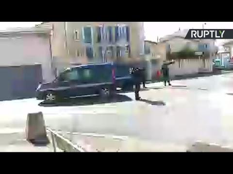 En direct depuis Trèbes où une prise d'otage est en cours