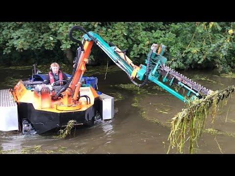 Amphibious WeedCutting Boat!