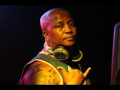 DJ Fresh & Absolute Touch (DJ Toxic, DJ Cue & DJ Mergs) -  Round In My Mind
