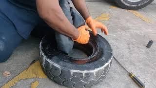 fork lift tire change