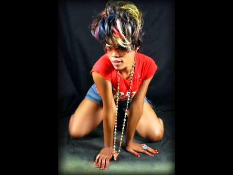 Download Minayo - Mafian Gal - Ugandan.wmv