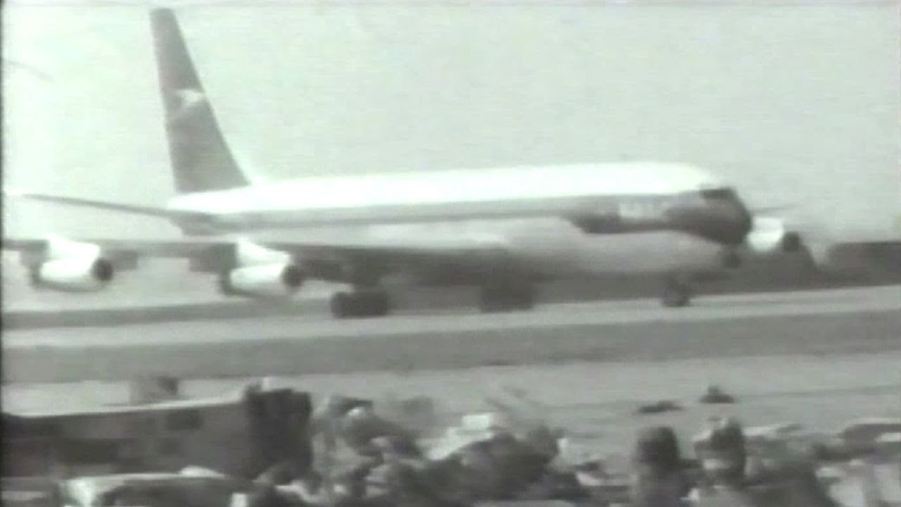 BOAC機空中分解墜落事故1966 - YouTube