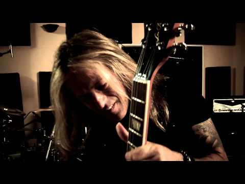 Revolution Saints - Back on My Trail (Official / 2015 / Deen Castronovo, Jack Blades, Doug Aldrich)