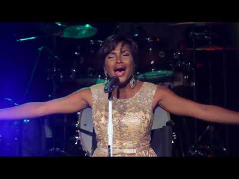 Nana Lukezo au ShowBuzz de Kinshasa concert