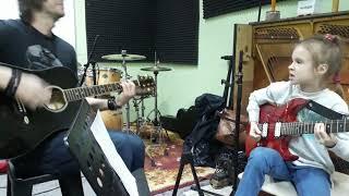 Отель Калифорния   исполнение на гитаре вживую дети