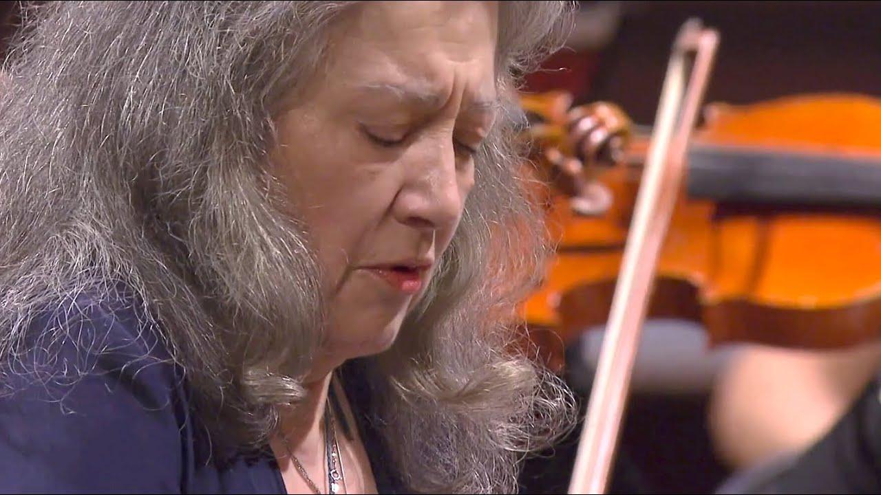 Martha Argerich plays Beethoven Piano Concerto No. 2 + Encore