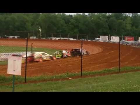 Modified Heat Race 3  Bloomington Speedway