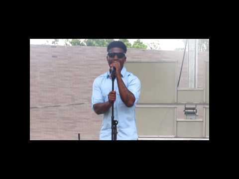Jwonn Performing   ( I Got This Record) Live in Jackson ,MS, Farish St.