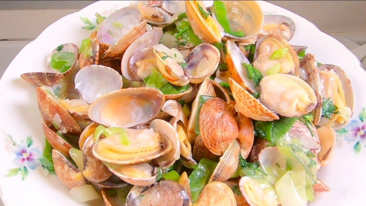 洗花甲蛤蜊时,切记要直接放盐,老渔民教我一招,花甲蛤蜊自动疯狂吐沙