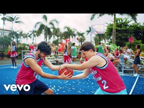 Sebastián Yatra, Guaynaa - Chica Ideal (Official Video)