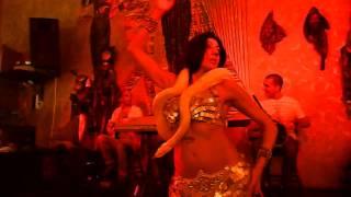 Dança com cobra THOT no Dunas / Giselle Kenj em 16jan2014 Thumbnail