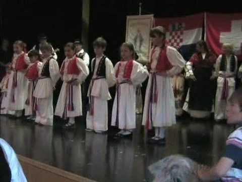 """Dječja folklorna skupina """"Duga"""" Pfäffikon - 2. nastup"""