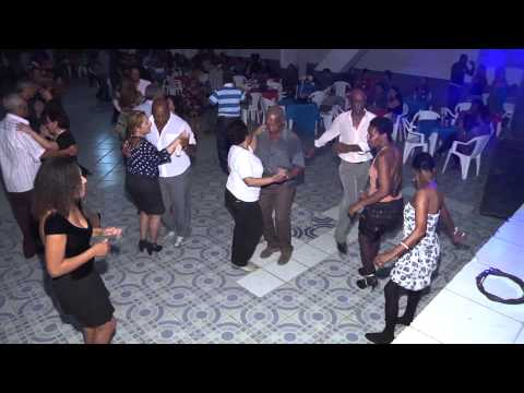Clube Social em Paraíba do Sul com Pretinho dos Teclados parte 02 AGO 2014