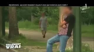 Tunisien sans papier se prostitue avec des hommes à Paris