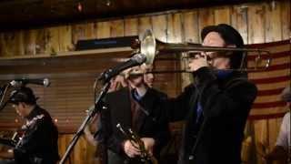 The Au Brothers Gang - That Da Da Strain Medley