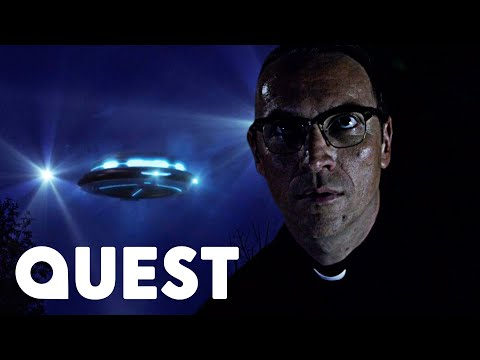 Man Interacts With Mysterious UFO! | Close Encounters