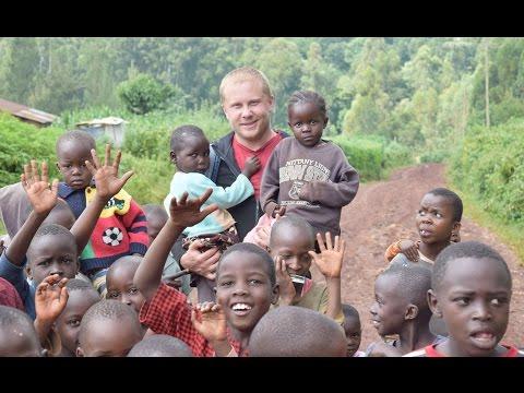 Культура и быт в Африке. Выпускники школы SMBS в Уганде