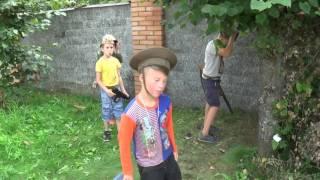 Как надо играть, дети играют , построили блок пост... Реальная Игра!