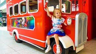 Настя и песенка про автобус
