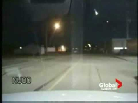 Meteorite falls down in Canadian sky!!! Must see!!