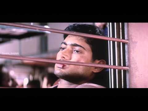 Nuvvu Nenu Movie    Anitha Jump out of Train for Uday Kiran Love Scene