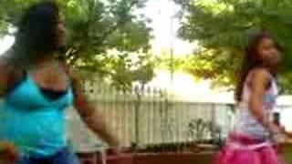 """my sister dancing """"i got ur boyfriend"""""""
