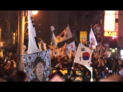 Supporters of Impeached S Korea President Waiting to See Her at Her Private Home