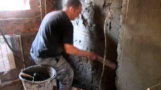 штукатурка стен, цементно песчанным раствором ,часть2(Продолжаем процесс нанесения слоёв цементной смеси., 2014-08-30T07:55:23.000Z)