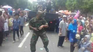Video Karnaval Jombang,Mr. Hendi Sambalado download MP3, 3GP, MP4, WEBM, AVI, FLV Desember 2017