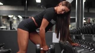 Nadine Muller back workout