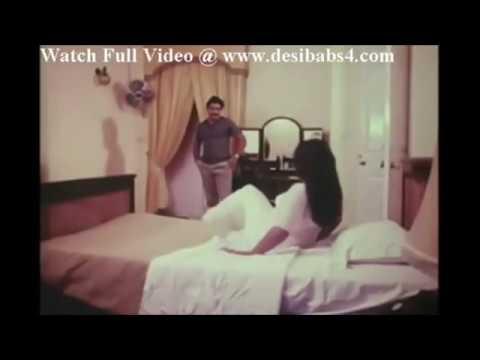 Mallu Aunty Seducing thumbnail