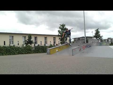 Boardslide funbox!! Rick Balfoort