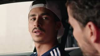 TAXI 5  (2018)  Commisaire Gibert chante du JUL  (1080p HD)