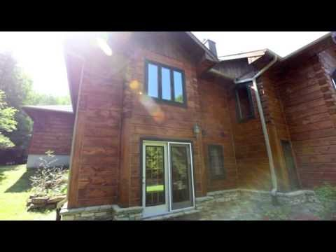 Stunning Waterfront Log Home on Manitoulin Island