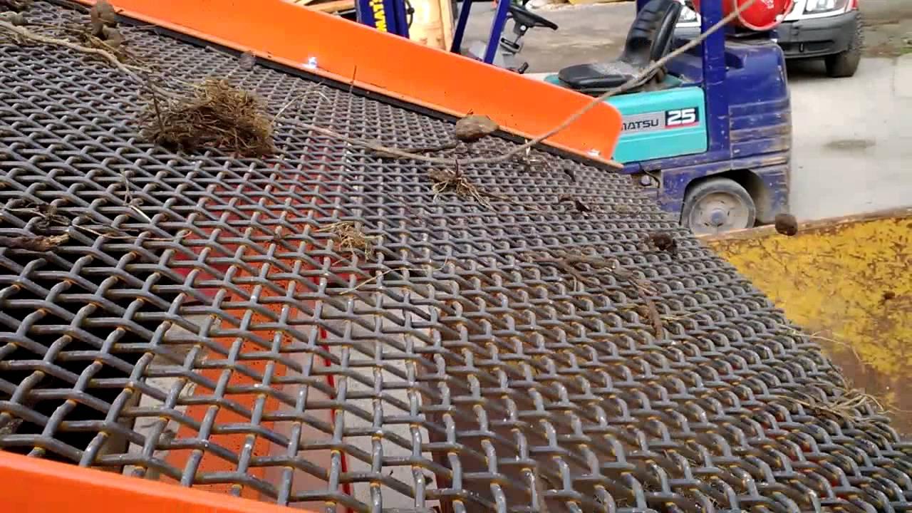 032 video1 new model recycling soil screener making top for Topsoil screener