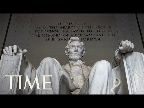 The Lincoln Memorial Was Vandalized With Red Graffiti, More Vandalism Found On Smithsonian | TIME