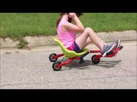 Beiyile Wiggle Roller Riding Machine Toy