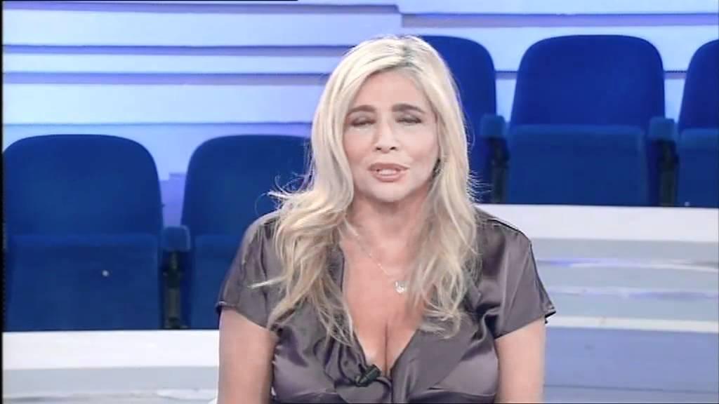 Mara Venier madrina deccezione per eforpeople  YouTube