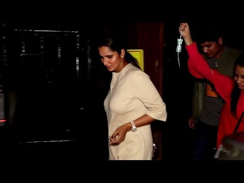 HOT Sania Mirza Spotted at Estella Hotel in Juhu, Mumbai