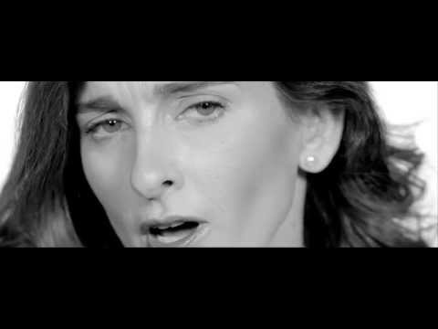 Louise Carver- 400 Miles (OFFICIAL VIDEO)