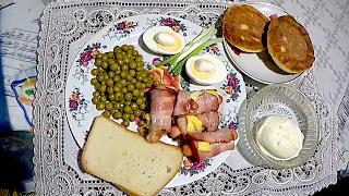"""Семейные рецепты """"Сосиски в беконе и сыре"""""""