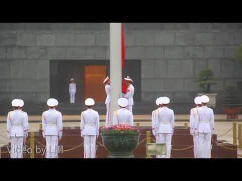 Lễ chào cờ tại lăng Bác Hồ