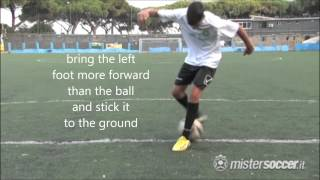 Soccer skill tutorial - Part 1 - Ronaldinho and Taddei Aurelio