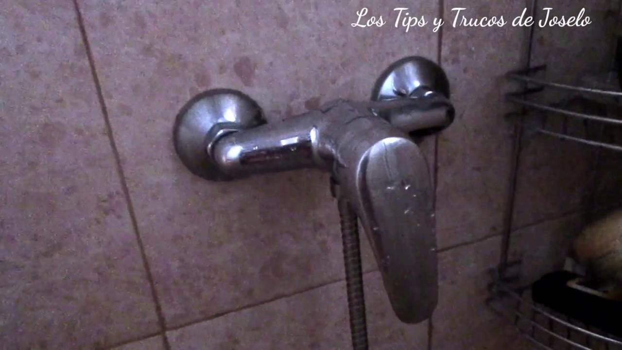 Mira el truco tan sencillo para quitar la cal y restos del for Como quitar la cal de los grifos