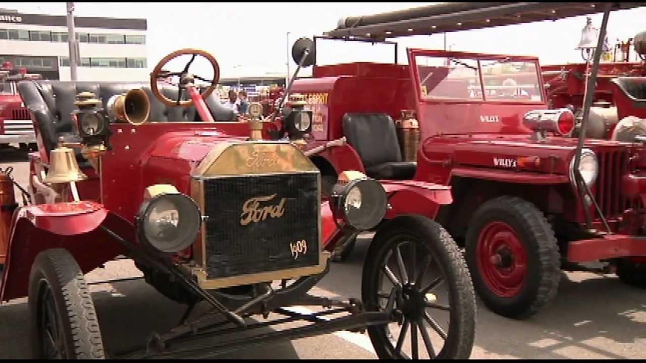 Rassemblement des anciens camions pompiers youtube - Image camion pompier ...