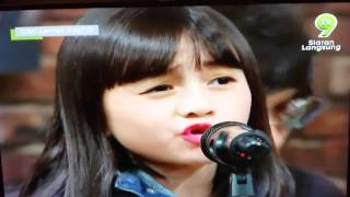 Download lagu Medley song cover by alyssa and the slingshot MP3
