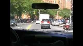 Как в Америке пропускают машину скорой помощи(, 2012-08-20T11:59:44.000Z)
