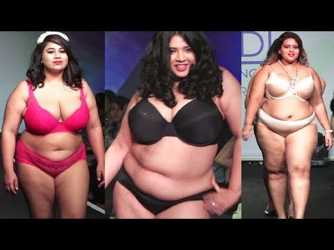 Indian Plus Size Model Ramp Walk In Lingerie With Zareen Khan