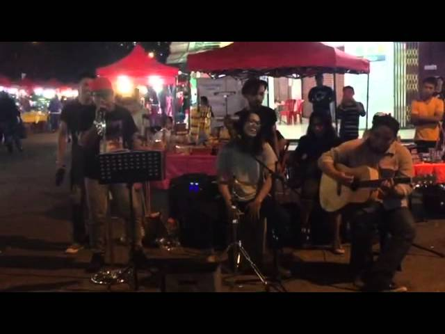 Busking with The Kodoxs