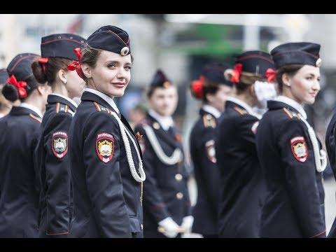 Выступление барабанщиц Краснодарского университета МВД России